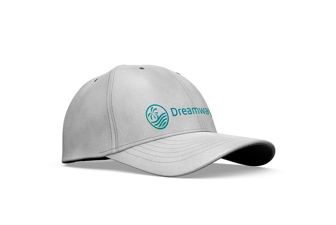 logo professionale su cappellino